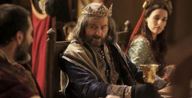 El actor Juan Diego como Alfonso El Sabio en una serie española de infausto recuerdo