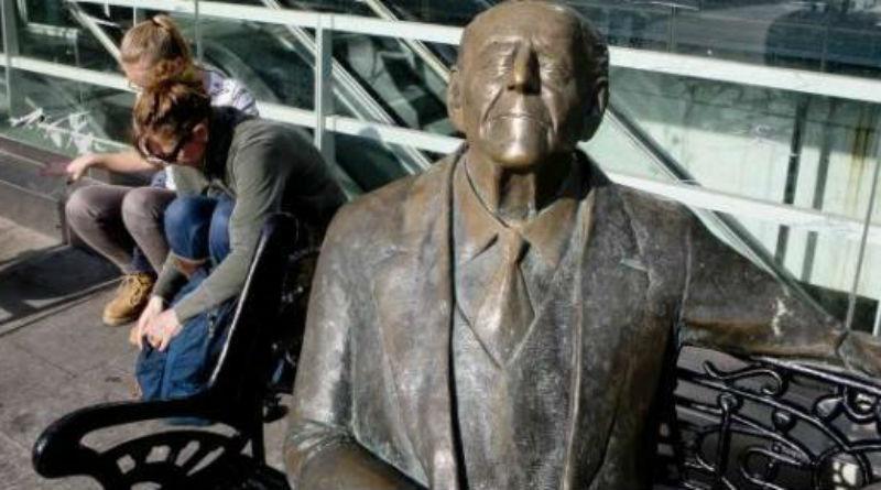 Estatua de Gastón Castelló