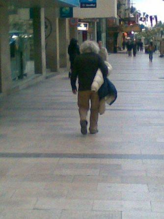 El hombre del maletín de los chicles por la Rambla