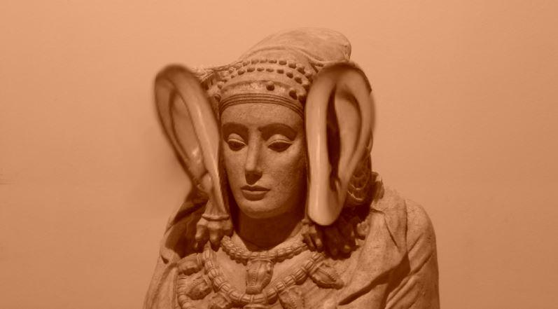 Dama de Elche orejas