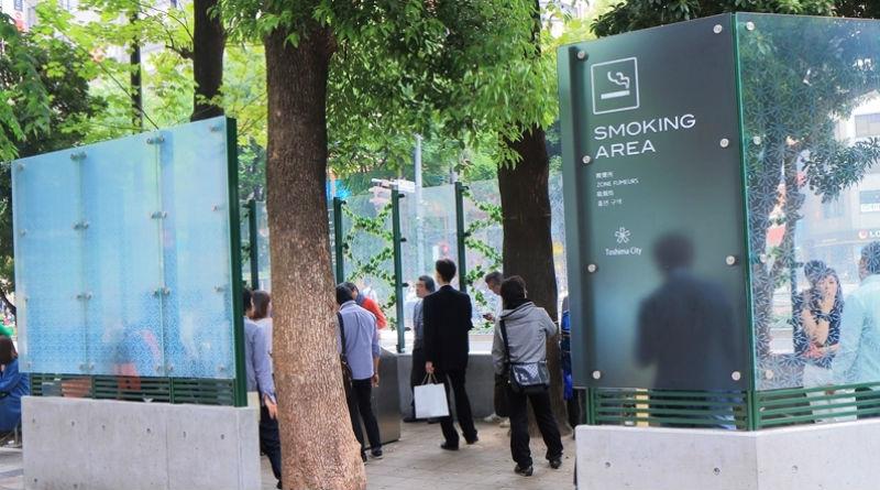 El tripartito estudia que Alicante sea la primera ciudad de España en prohibir fumar en la calle
