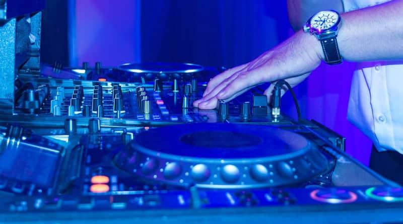 DJ Gabriel Echavarri