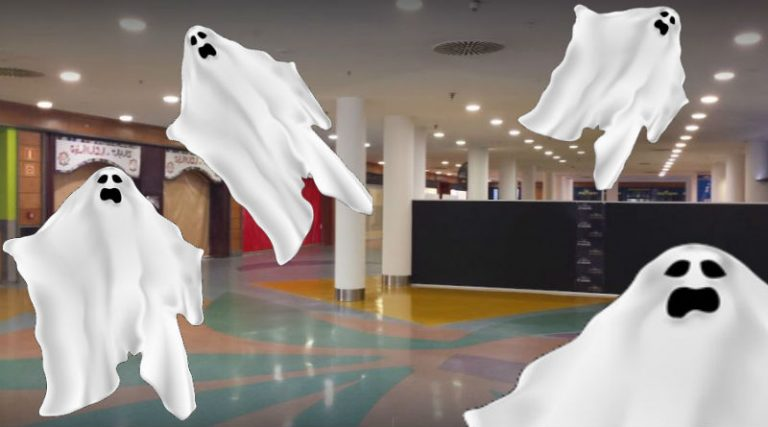 Los fantasmas de Panoramis se dan un susto de muerte al ver aparecer a una persona
