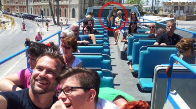 La foto selfi que captó a una pareja practicando sexo en el Turibús de Alicante