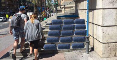 Escaleras del Mercado Central de Alicante