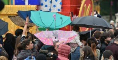 paraguas revés cabalgata reyes