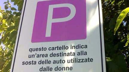aparcamiento para mujeres