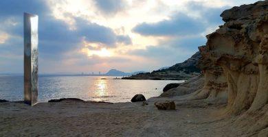 monolito en Alicante